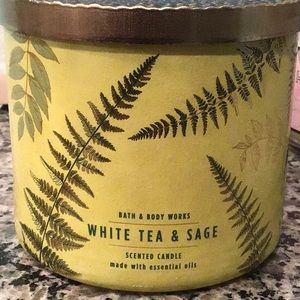 Bbw white tea and sage candle